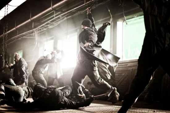 snowpiercer-evans-battle-1
